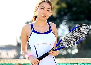 【4/11発売】テニス競技歴12年の本物女子大生アスリート『錦野圭子』AVデビュー!!