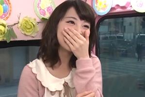 「私とHしませんか?」文学部の巨乳女子大生が賞金10万円を賭けて初めての逆ナン!