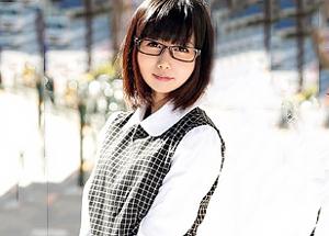 【7/24発売】就職セミナーと称してメガネっ子女子大生を悪戯潮吹きSEX