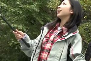 最近流行の釣りガールをキャッチして自慢の竿でハメる☆