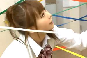 少女美巨乳10代小娘が挑戦☆センサーに触れたら即強姦の脱出GAME☆