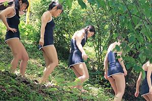 林間学校でキャンプ場に来ている10代小娘たちを片っ端から強姦☆
