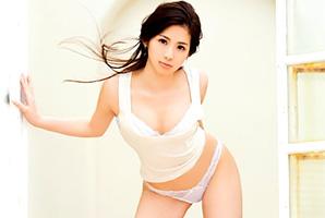 股下80cm☆8頭身パーフェクト体の現役モデルがAV新人