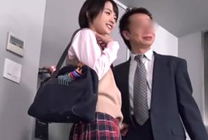 (円光)学校サボッてオヤジとHOTELに入る170cm短髪10代小娘