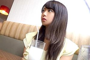 (秘密撮影)入学早々チャラい先輩にヤられちゃった少女美巨乳女子大学生