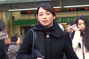 (シロウト)50才には見えないモデル職場役員が昼休み中に筆おろし☆