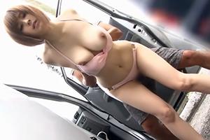 (海キャッチ)ボッキ不可避な170cmロケット乳女子大学生を車の陰で青姦☆