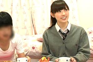 3分でやりまんに豹変☆小娘の親友に媚薬入り紅茶を飲ませた結果…