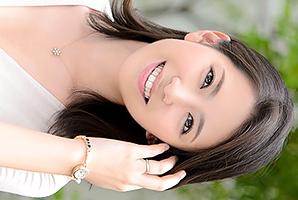 (ヒトヅマ)才色兼備の美し過ぎる現役受付嬢がアダルトビデオ新人 若葉加奈