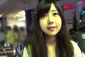 (渋谷キャッチ)カラオケBOXでヤれた身長145cmのロケット乳女子大学生