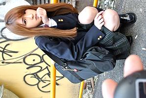 『声出ちゃうよ…』現役10代小娘にリモバイ仕込んで都内を散歩☆