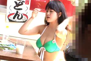 海の家に一人で居るむっちり美巨乳女子大学生を狙ってナカ出し強姦☆