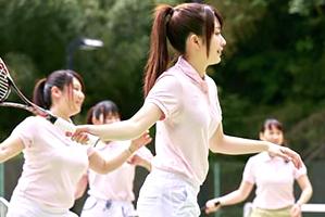 テニスサークルの夏合宿でピチピチの現役女子大学生と大乱交三昧☆