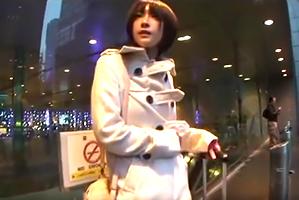 東京駅で見つけたスタイル抜群のイエデ10代小娘を泊めてsex三昧☆