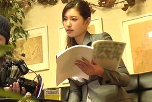 (秘密撮影)170cmモデル級のExcel講師をレッスン中に押し倒してsex☆
