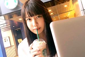 (シロウト)新宿のスタバでキャッチした腰使い抜群な無毛女子大学生