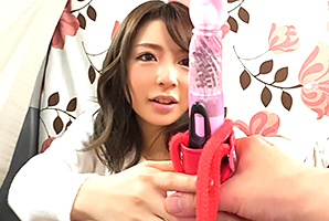 (シロウトキャッチ)モデル女子大学生が賞カネ懸けて極太玩具でイキ我慢☆
