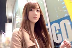 (新宿キャッチ)清楚な顔して滑らかな腰使いする金持ち女子大学生
