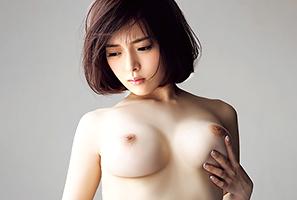 B92-W58-H89。奇跡のスーパー体アイドルが遂にAV解禁☆