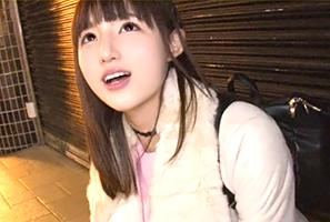 (シロウト)渋谷駅で雨宿りしていた純粋ロケット乳大学生とキャッチSEX☆