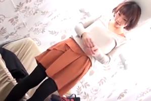 (お尻スキャナーキャッチ)ショートボブ女子大学生の美尻にぶっかけ☆