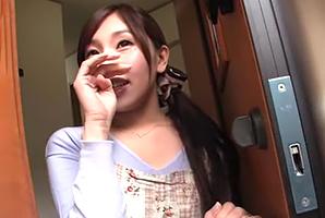 立花優花 結婚4年目の美巨乳主婦とダンナの外出中にスリル満点のsex☆