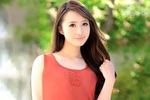 小川莉奈 日中はカフェ店員として働く結婚3年目のモデル妻AV新人☆