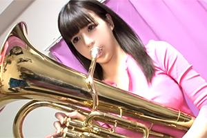 (シロウト)吹奏楽部時代に鍛えたGカップの張りが凄い中学校の事務