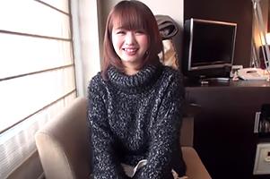 (キャッチ in 新宿)ニットの下はHカップだった愛嬌抜群のロリ顔保育士
