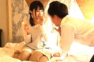 (秘密撮影)子供の保育園のモデル教師にHOTELでナカ出しするウワキパパ☆