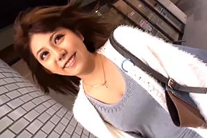 「ちょっと待って☆入ってる☆」新宿のハーフ美巨乳社内レディーに素股→生ハメ☆