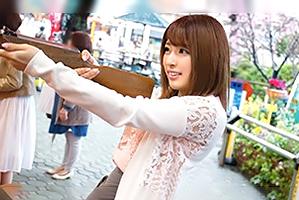 (シロウト)浅草の縁日で射的GAMEに夢中な美巨乳女子大学生をキャッチ☆