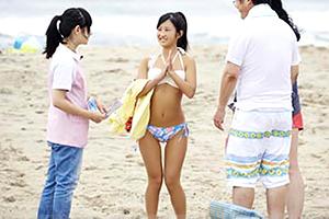 (シロウト)親と海に来てたピチピチの18才女子大学生をキャッチ&ナカ出し☆