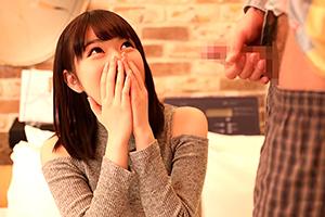 「先輩おっきい」センズリ鑑賞…だけのはずがムラムラしちゃう女子大学生☆