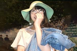 (シロウト)チクビが真っピンク☆青学の前でキャッチした眼鏡っ小娘大学生