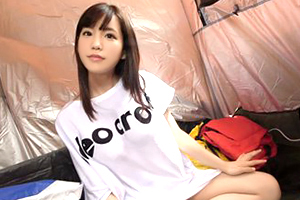 (キャンプ場キャッチ)超ロケット乳の超可愛い経営学部2年をテントで即ハメ☆
