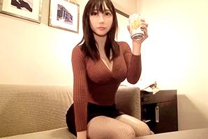 【ナンパ】エステ店勤務の爆乳アラフォー美女を突き上げて中出し!